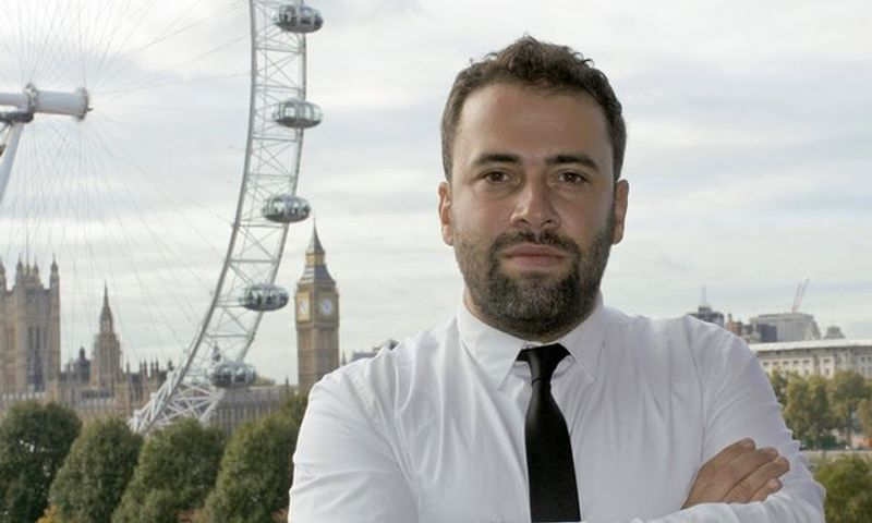 We spoke with Kaan Aydogmus, founder of Magnetic London, a full-service creative agency based in London. Formed in 2011, Aydogmus and Magnetic London have worked with clients such as WWF, eHarmony and Berlitz, delivering an array of unique digital and print projects.In 2015, Magnetic added ZapWorks to their tool-kit. Two years later, they are one of the leading agencies in the UK for creating AR experiences, helping their clients to distinguish themselves by adding an immersive, experiential layer to their print marketing materials.